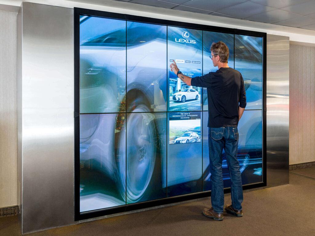 interactive digital display screen in qatar